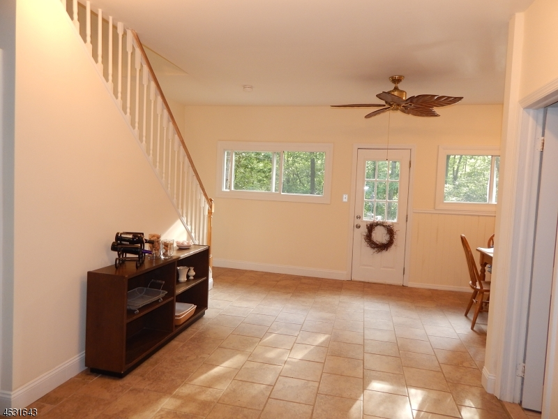 Additional photo for property listing at 28 Williams Trail  Hopatcong, Nueva Jersey 07843 Estados Unidos