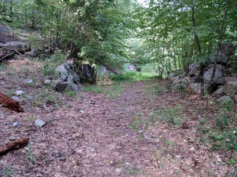 Additional photo for property listing at Shady Lane  West Milford, New Jersey 07480 États-Unis