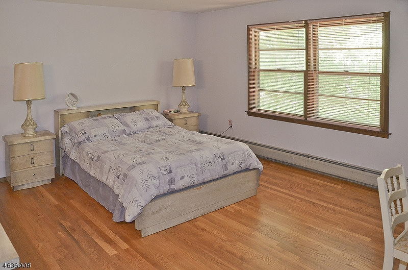 Additional photo for property listing at 208 Powder Mill Road  Morris Plains, New Jersey 07950 États-Unis