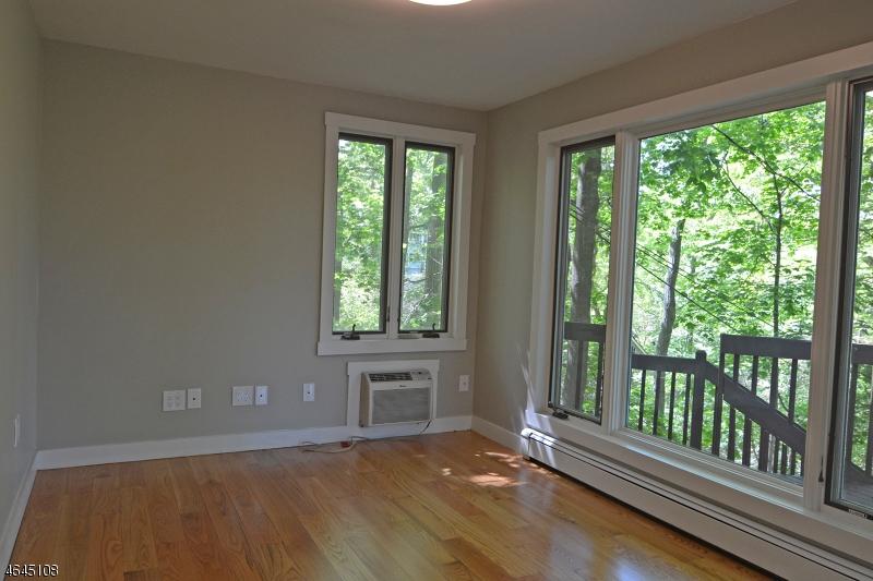 Additional photo for property listing at 10 Serpentine Drive  Highlands, Нью-Джерси 07732 Соединенные Штаты