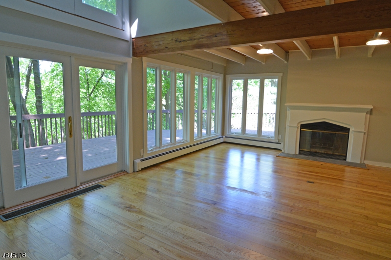 Additional photo for property listing at 10 Serpentine Drive  Highlands, New Jersey 07732 United States