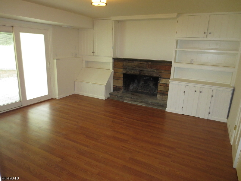 Additional photo for property listing at 12 Maude Lane  Hackettstown, Нью-Джерси 07840 Соединенные Штаты