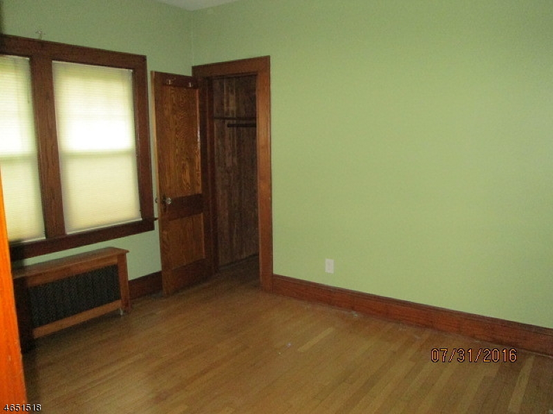 Additional photo for property listing at 18 Kuntz Avenue  Berkeley Heights, New Jersey 07922 United States