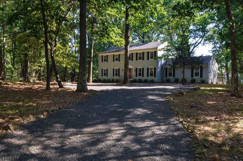 独户住宅 为 销售 在 770 Weemac Road Martinsville, 08836 美国