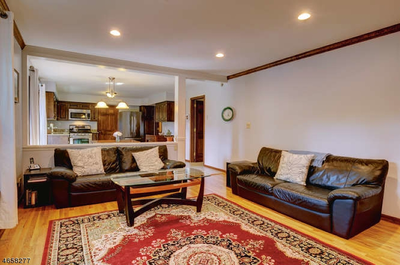 Additional photo for property listing at 770 Weemac Road  Martinsville, New Jersey 08836 United States