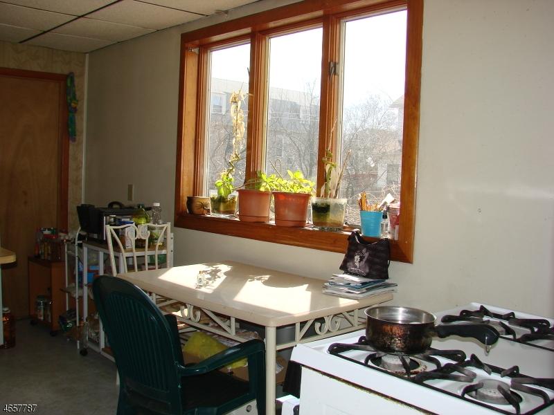 Additional photo for property listing at 550-552 Grier Avenue  Elizabeth, Nueva Jersey 07202 Estados Unidos