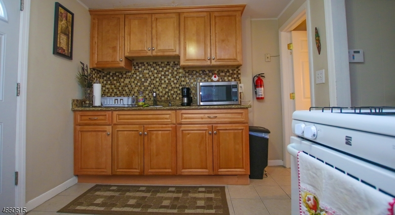 Additional photo for property listing at 1360 Hamilton Street  Elizabeth, Нью-Джерси 07208 Соединенные Штаты