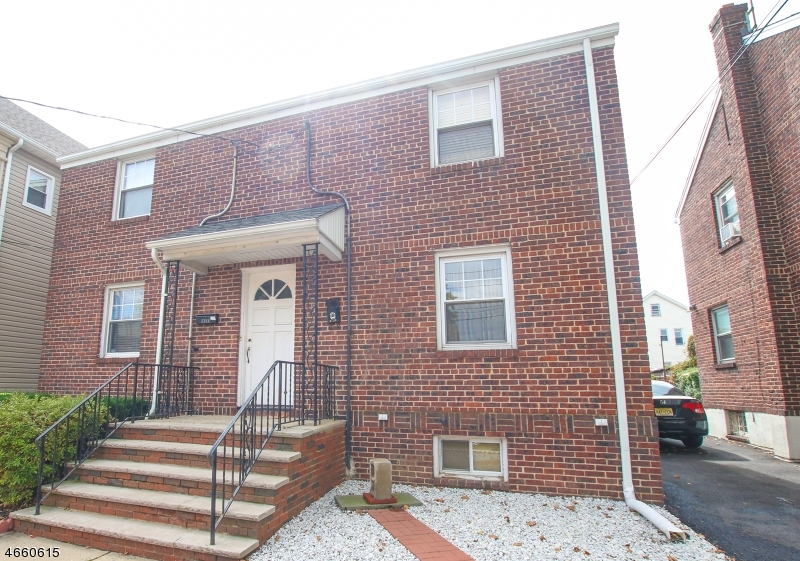 Additional photo for property listing at 1360 Hamilton Street  Elizabeth, Nueva Jersey 07208 Estados Unidos
