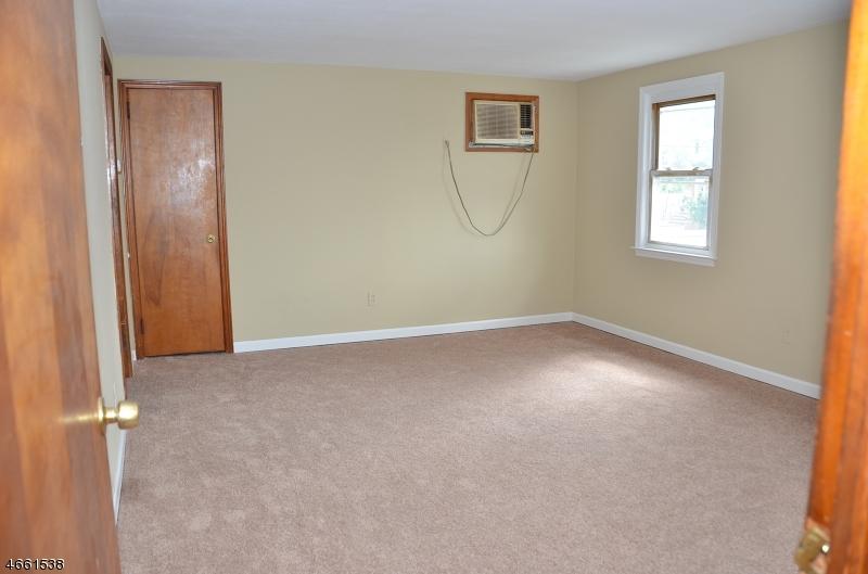 Additional photo for property listing at 92 Hedden Ter  North Arlington, 新泽西州 07031 美国