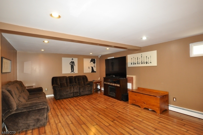 Additional photo for property listing at 78 Frances Avenue  Stanhope, New Jersey 07874 États-Unis