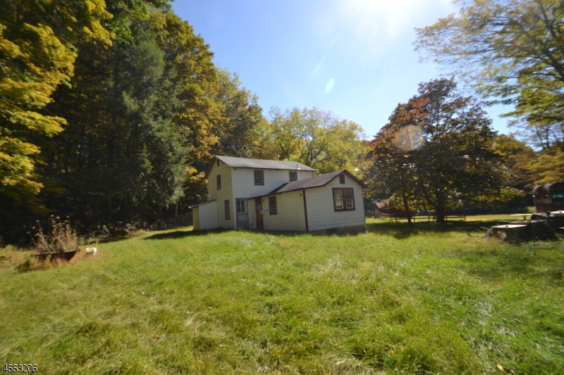 Additional photo for property listing at 327 Amity Road  Andover, Nueva Jersey 07821 Estados Unidos