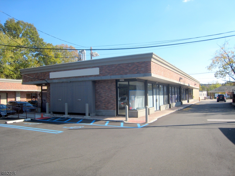Comercial para Arrendamento às 504 S Livingston Avenue Livingston, Nova Jersey 07039 Estados Unidos