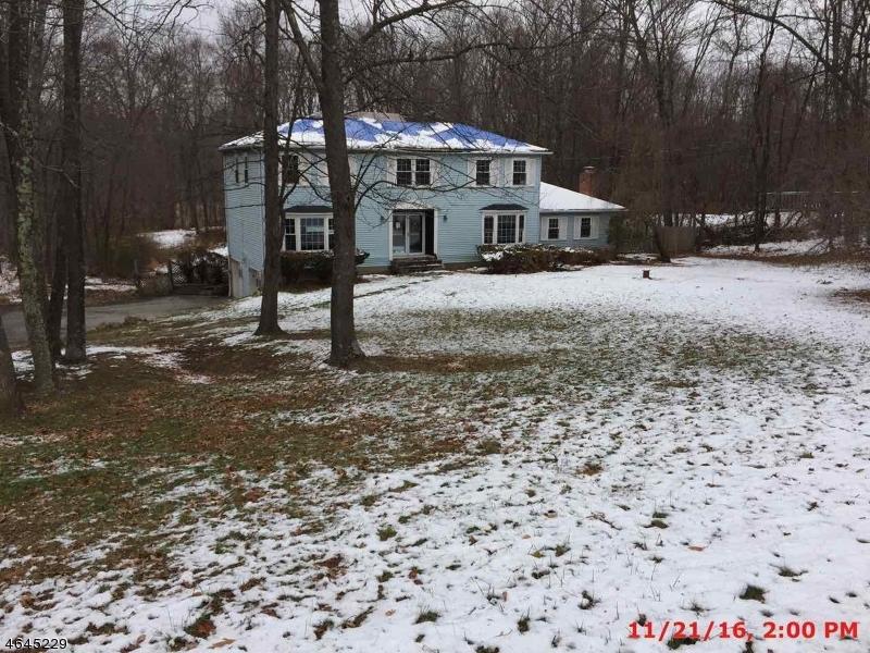 Casa Unifamiliar por un Venta en 67 Lake Pochung Road Sussex, Nueva Jersey 07461 Estados Unidos