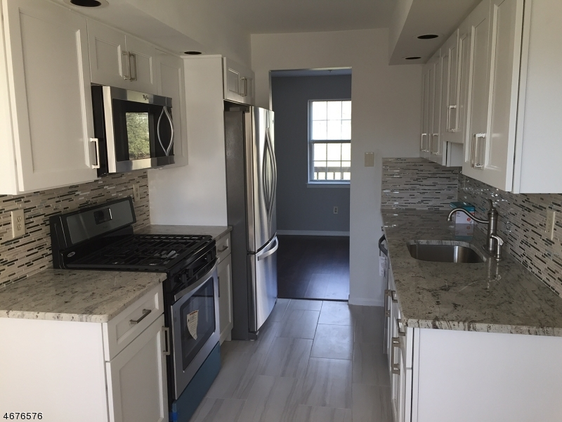 Single Family Home for Rent at 39 Canterbury Road Chatham, New Jersey 07928 United States