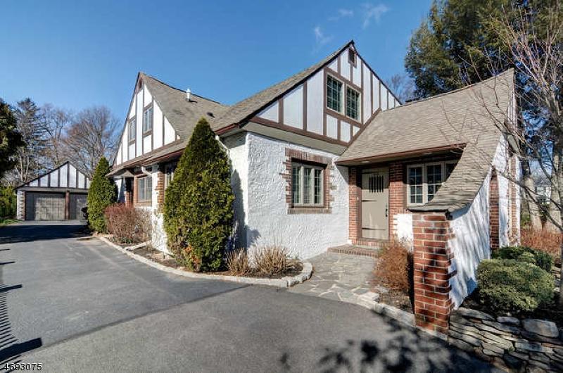 Частный односемейный дом для того Аренда на 819 Standish Avenue Westfield, Нью-Джерси 07090 Соединенные Штаты