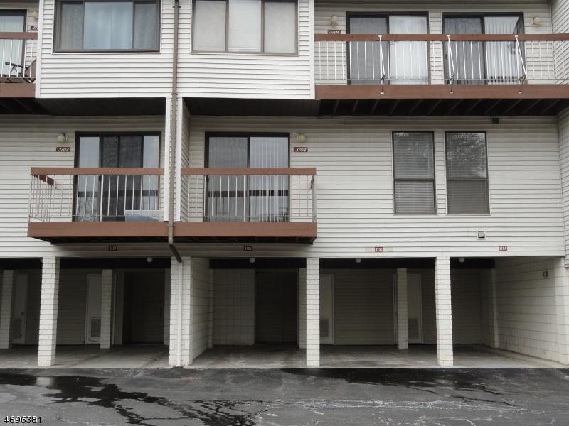 Maison unifamiliale pour l à louer à 3704 Royce Court Hillsborough, New Jersey 08844 États-Unis