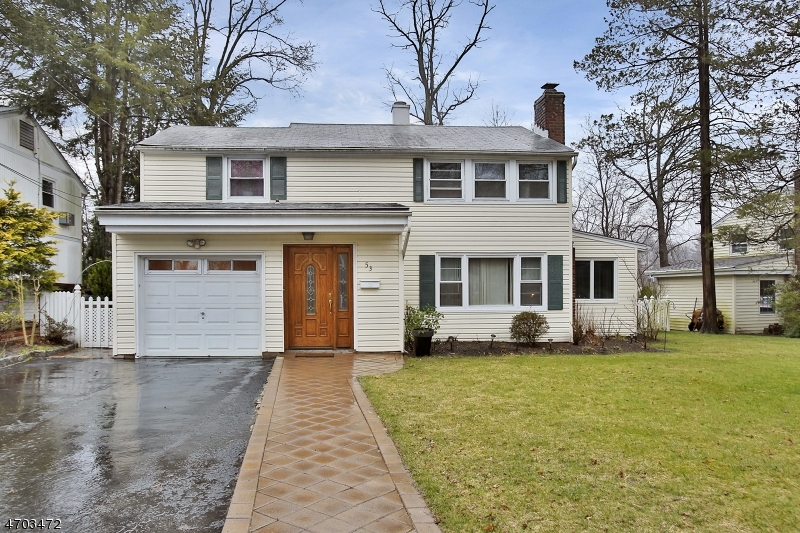 Single Family Home for Sale at 53 Streetuart Street Waldwick, New Jersey 07463 United States