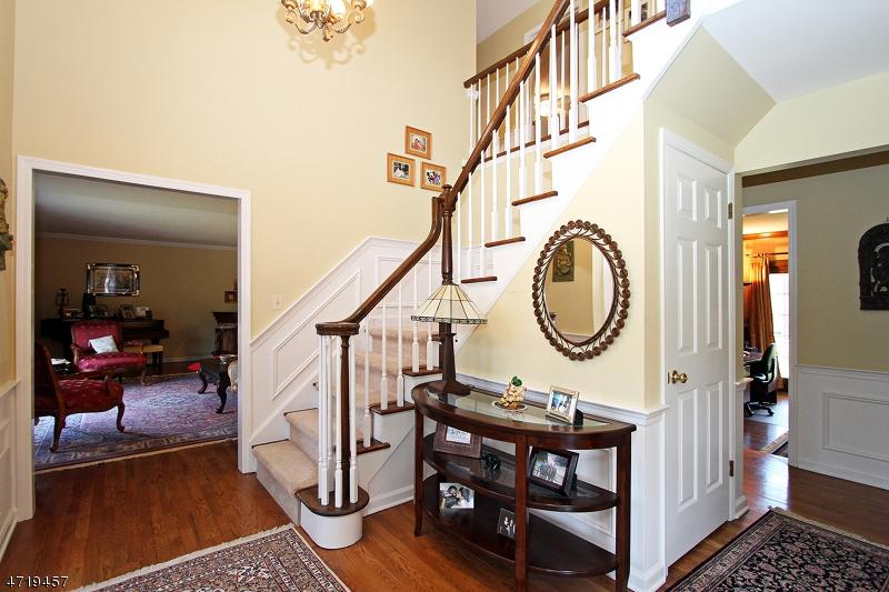 Maison unifamiliale pour l à louer à 34 Woodmere Drive Summit, New Jersey 07901 États-Unis