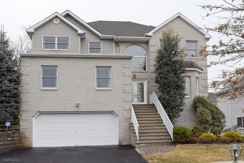 Casa Unifamiliar por un Alquiler en 8 Winterset Drive Parsippany, Nueva Jersey 07950 Estados Unidos