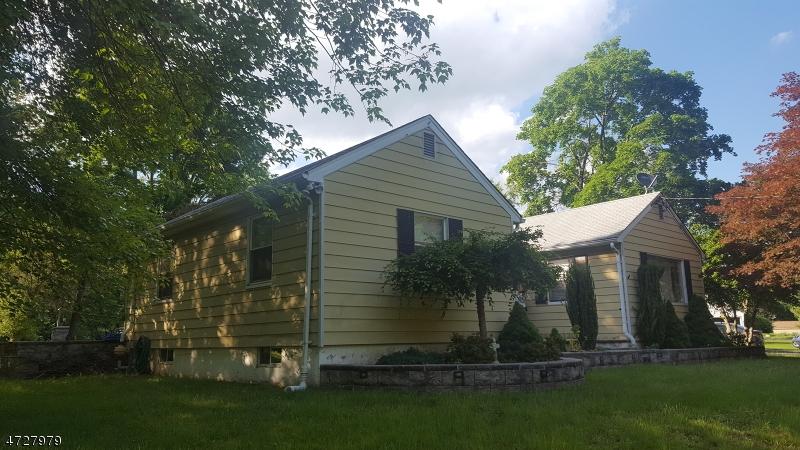 Maison unifamiliale pour l Vente à 161 Berkshire Valley Road Kenvil, New Jersey 07847 États-Unis