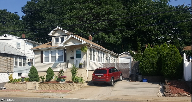 Single Family Home for Sale at 112 River Road North Arlington, New Jersey 07031 United States