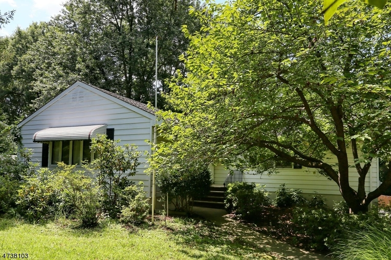 Casa Unifamiliar por un Venta en 85 Ruckman Avenue Hillsdale, Nueva Jersey 07642 Estados Unidos