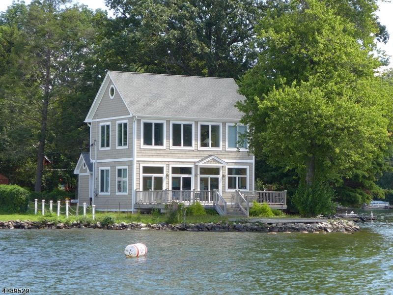 独户住宅 为 销售 在 9 Storms Island 西米尔福德, 新泽西州 07421 美国