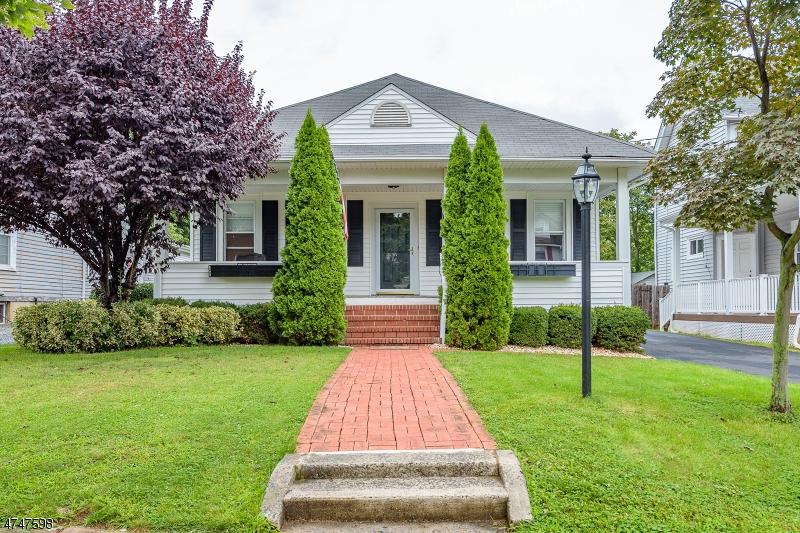 Casa Unifamiliar por un Venta en 190 W Summit Street Somerville, Nueva Jersey 08876 Estados Unidos