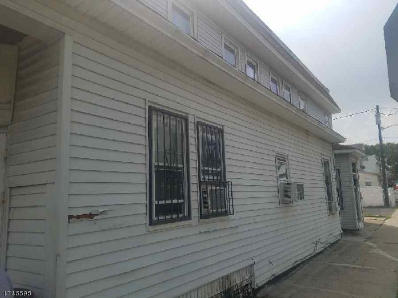 多户住宅 为 销售 在 255 Rhode Island Avenue East Orange, 07018 美国