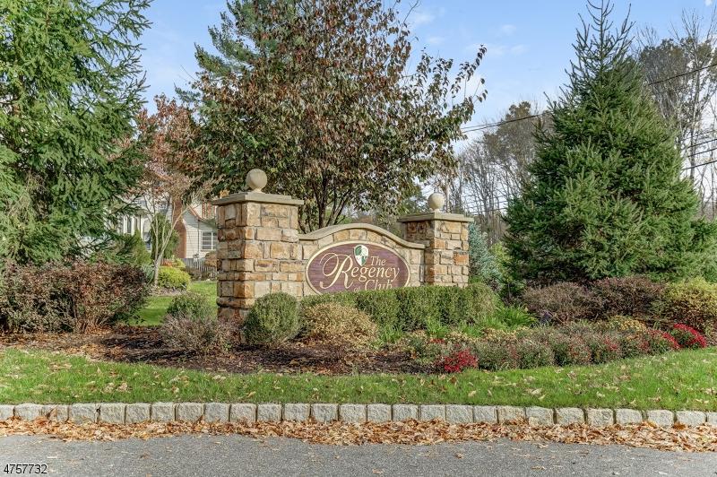 Частный односемейный дом для того Аренда на 214 Kensington Lane Livingston, Нью-Джерси 07039 Соединенные Штаты