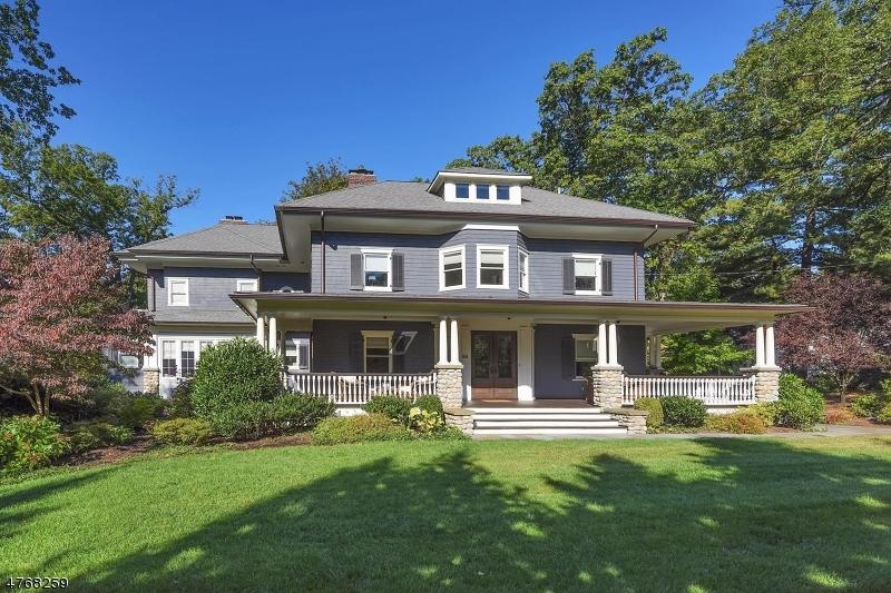 Maison unifamiliale pour l Vente à 64 Crest Road Ridgewood, New Jersey 07450 États-Unis