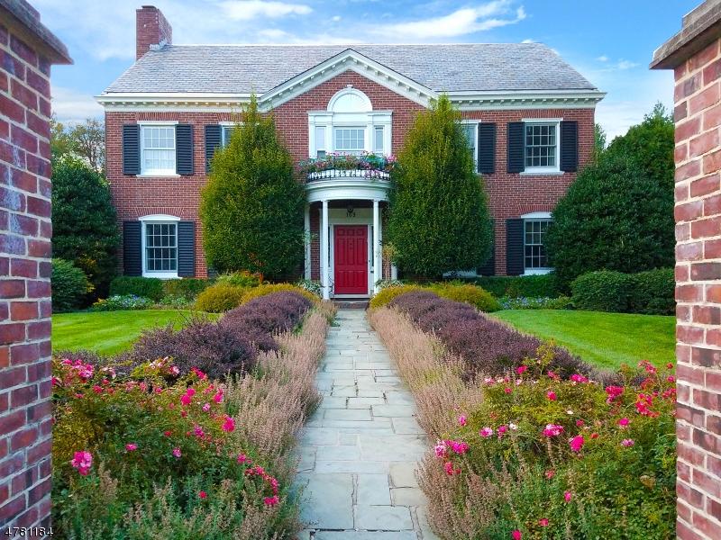 Maison unifamiliale pour l Vente à 169 UNION Street Montclair, New Jersey 07042 États-Unis