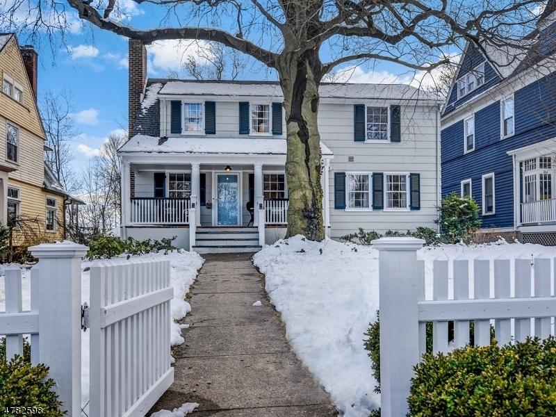 Maison unifamiliale pour l Vente à 360 Maolis Avenue Glen Ridge, New Jersey 07028 États-Unis