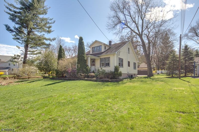 Maison unifamiliale pour l Vente à 12 Hillside Avenue Midland Park, New Jersey 07432 États-Unis