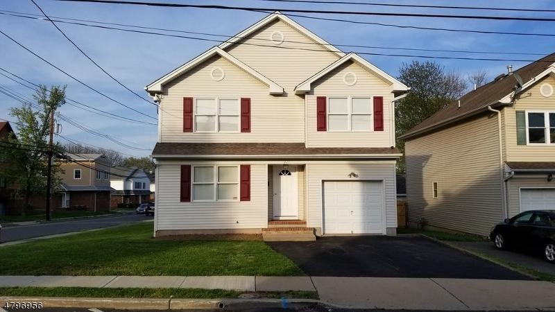 Maison unifamiliale pour l Vente à 207 S 8th Avenue Manville, New Jersey 08835 États-Unis