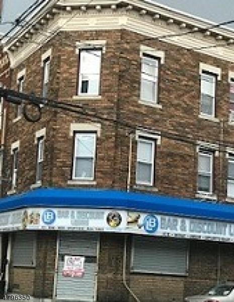 商用 为 出租 在 Address Not Available Paterson, 新泽西州 07501 美国