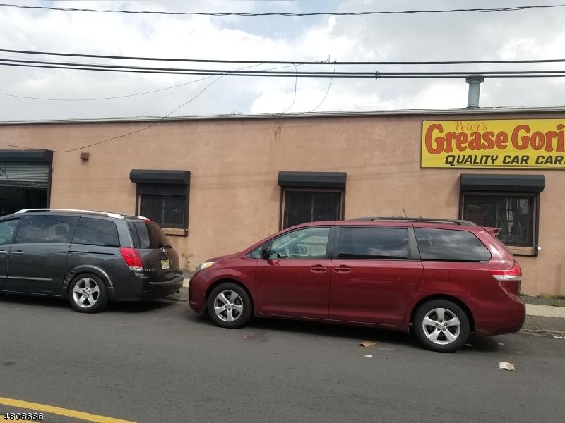 Comercial por un Venta en 879 MAGNOLIA Avenue Elizabeth, Nueva Jersey 07201 Estados Unidos