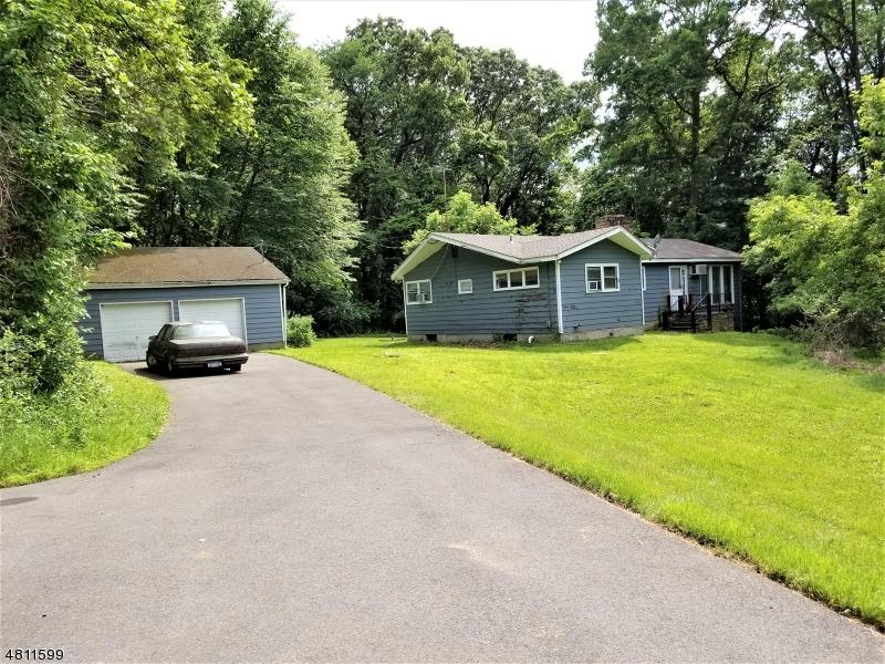 Casa Multifamiliar por un Venta en 68 MACKENZIE Road Lebanon Township, Nueva Jersey 08827 Estados Unidos