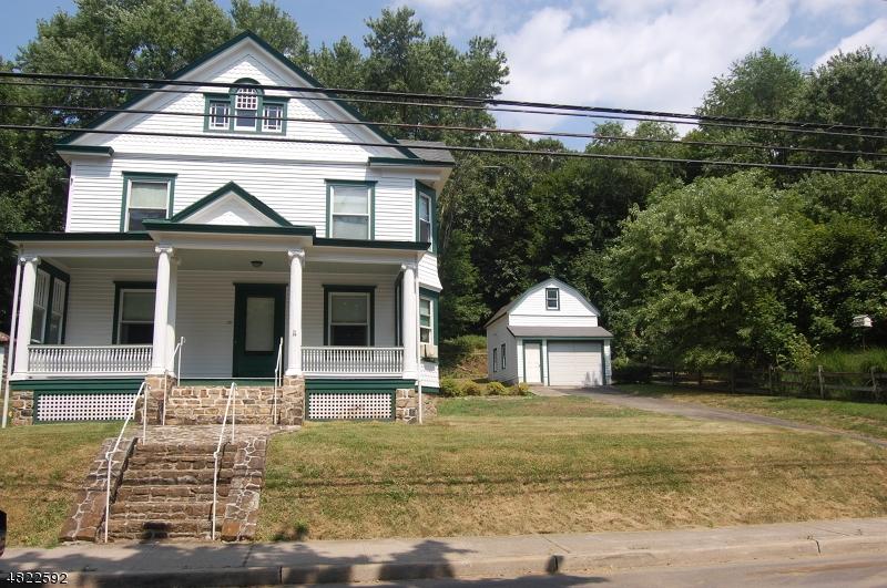 Casa Unifamiliar por un Venta en 131 MAIN Street Glen Gardner, Nueva Jersey 08826 Estados Unidos