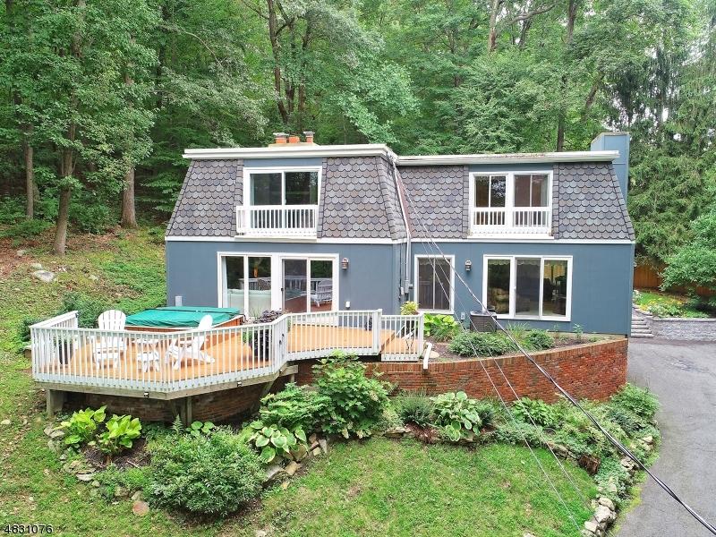 独户住宅 为 销售 在 13 E SHAWNEE Trail Jefferson Township, 新泽西州 07885 美国