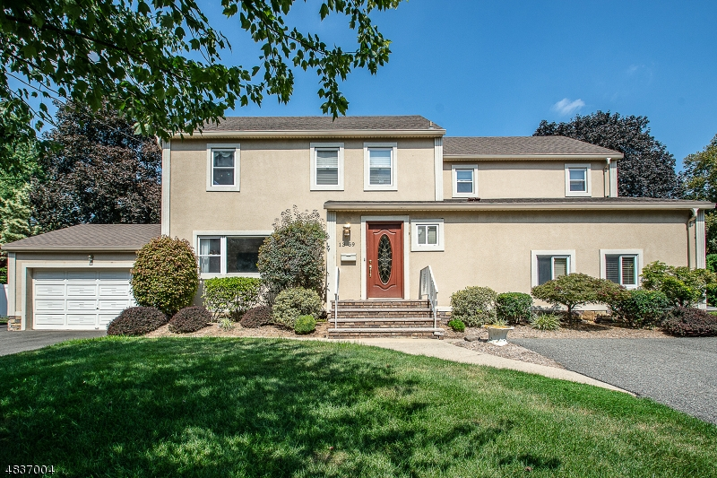 Single Family Home for Sale at 13 HENRIETTA Court Fair Lawn, New Jersey 07410 United States