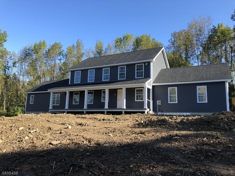 Частный односемейный дом для того Продажа на 126 WHEATSWORTH Road Hardyston, Нью-Джерси 07419 Соединенные Штаты