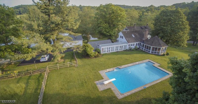 Casa Unifamiliar por un Venta en 8 PINE HILL Road Franklin, Nueva Jersey 08801 Estados Unidos