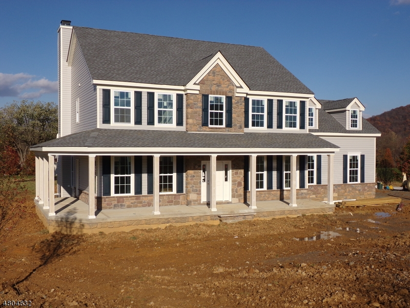 Casa Unifamiliar por un Venta en 2 Highlands Way Lopatcong, Nueva Jersey 08865 Estados Unidos