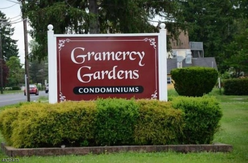 Condo / Townhouse for Sale at 36 GRAMERCY GDNS Middlesex, New Jersey 08846 United States