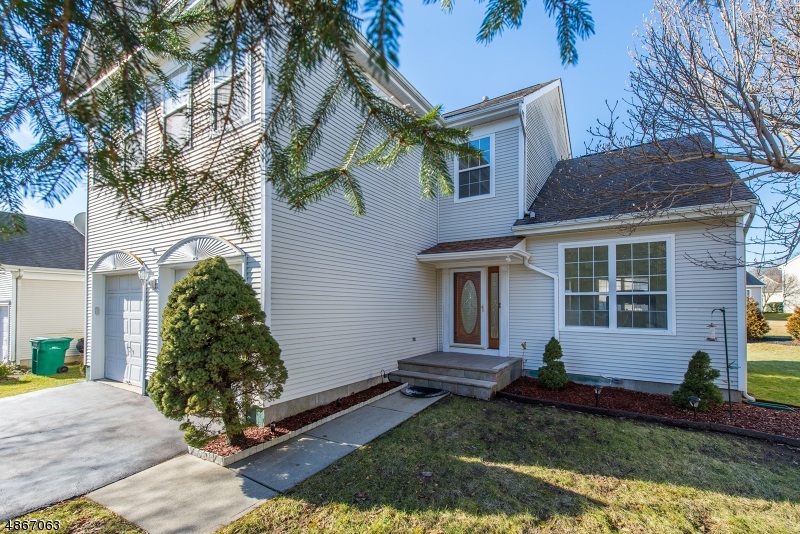Additional photo for property listing at 47 SAXTON Drive  Hackettstown, New Jersey 07840 États-Unis