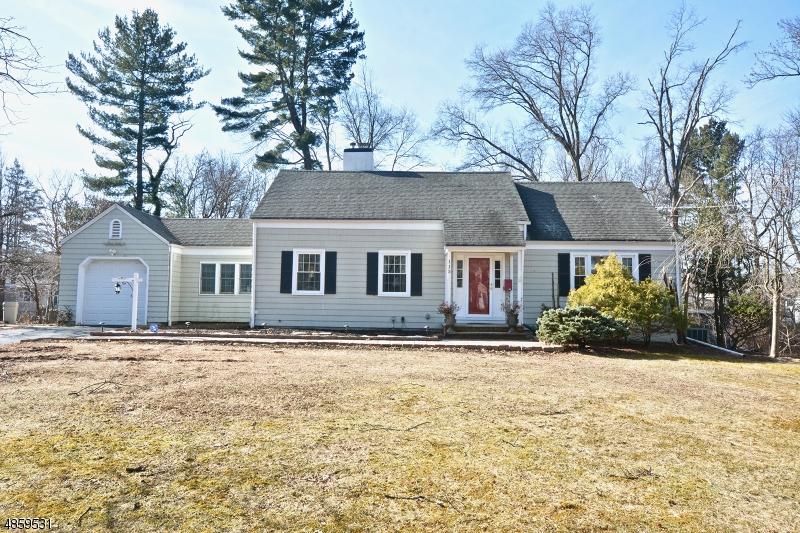Частный односемейный дом для того Продажа на 115 WESTFIELD Road Fanwood, Нью-Джерси 07023 Соединенные Штаты