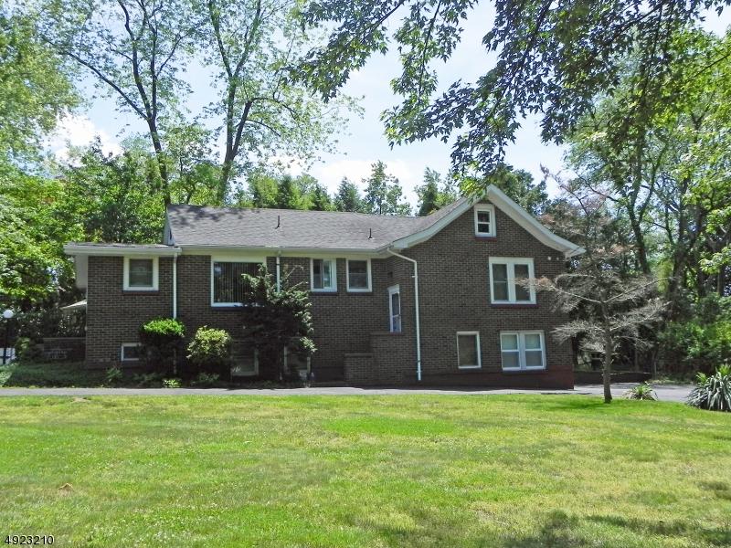 Single Family Homes för Försäljning vid Montvale, New Jersey 07645 Förenta staterna