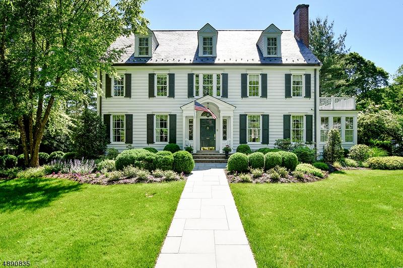 Single Family Homes för Försäljning vid Summit, New Jersey 07901 Förenta staterna