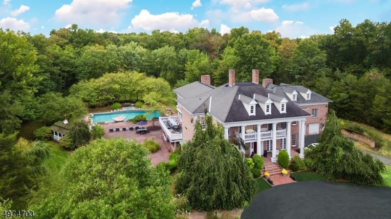 Single Family Homes für Verkauf beim Tewksbury Township, New Jersey 08858 Vereinigte Staaten